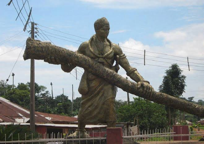 The Story Of Idubor, The Giant Prince Of Benin, who Uproots Palm trees with his bare hands